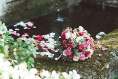 Bouquet Rose. Pour un message de tendresse tout en douceur, offrez ce bouquet de roses délicates et féminines.