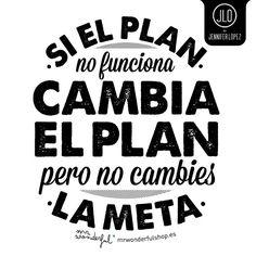 ¡Feliz Jueves! … sigamos trabajando para cumplir nuestras metas chicas.  #Look #Plan #Cute #Frases