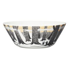 Available in September. Moomin bowl 15 cm, True to Its Origins. The new series, 'True to Its Origins', is based on Tove Jansson's last Moomin novel, 'Moominval Moomin House, Moomin Shop, Moomin Books, Moomin Mugs, Black N White Images, Black And White, Les Moomins, I Need U, Green Mugs