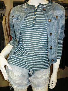 accettare la propria condizione senza volere imitare l'irraggiungibile .... nuovi arrivi jeans corti €31 maglia €28 giubbotto €34 .. #spring #summer #collection 2015 .... #swagstoretimodellalavita #swagstore #swag .. #love #fashion and #selfie .... #sandonadipiave #jesolo #venezia