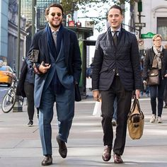 THE BESPOKE DUDES EYEWEAR - In this shot in #Nyc the #menswear blogger @hespokestyle and our co-founder @fabioattanasio wearing our new model #Vicuña, #handmade using precious materials such as 24 #gold carat plated rodium. These #handcrafted in #Italy #sunglasses are available to shop now at our online boutique (link in bio)  #tbdeyewear #thebespokedudeseyewear #occhiali #style #dapper #dandy #shades #specs #tb (at Upper East Side)