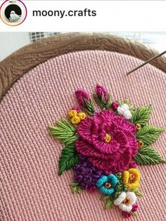 Hand Embroidery Patterns Easy the Embroidery Designs Gents even Embroidery Designs Brother Hand Embroidery Videos, Hand Work Embroidery, Rose Embroidery, Embroidery Jewelry, Embroidery For Beginners, Hand Embroidery Patterns, Embroidery Kits, Fabric Patterns, Cross Stitch Embroidery