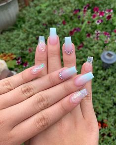 Best Summer Ombre Nails in 2019 Cute nail art design consist of blue ombre nails with glitter Acrylic Nails Coffin Short, Blue Acrylic Nails, Summer Acrylic Nails, Acrylic Nail Designs Glitter, Cute Nail Art Designs, Purple Ombre Nails, Blue Nails, Glitter Ombre Nails, Pink Glitter