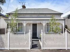 Sold Price for 45 Alexander Street Seddon Vic 3011 Cottage Exterior, House Paint Exterior, Exterior House Colors, Exterior Design, Exterior Color Schemes, House Color Schemes, Colour Schemes, Weatherboard House, Queenslander