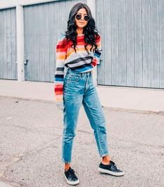 Colorful stripes sweater colorful sweater striped sweater boyfriend denim look - Mom Jeans - Ideas of Mom Jeans Winter Outfits For School, Outfits For Teens, Trendy Outfits, Fall Outfits, Autumn Outfits For Teen Girls, Comfy School Outfits, Back To School Outfits For College, Simple Outfits, Classy Outfits