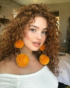 28 Ideas for crochet braids wavy curls natural hair - Beauty Curly Hair Styles, Natural Hair Styles, Bree Kish, Wavy Curls, Curls Hair, Afro Hair, Colored Curly Hair, Lace Hair, Blonde Wig