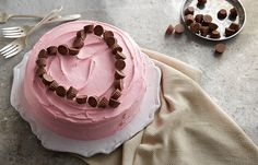 Hershey's Kitchens | peanut-butter-cup-heart-valentine-cake