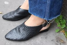 Couscous / Chaussures Cuir Tressé / Cuir Black / Sling / Made In Brazil / 90'S de la boutique LARELIGIEUSE sur Etsy