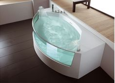 Cool bathtub!