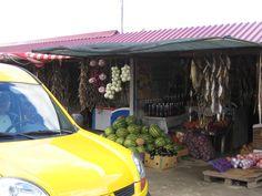 De votre voiture vous pouvez choisir vos fruits et légumes et vous arrêter devant le stand désiré qui dit qu'en Crimée ils sont en retard? 2013