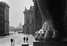 USSR. Atlas at the Hermitage entrance, Leningrad, 1931 // by Boris Ignatovich