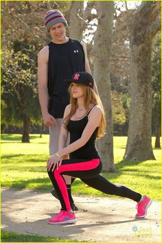 .@bellathorne and @tristanklier89 park workout 07