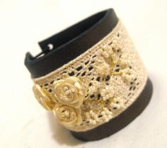 Leather and lace bracelet. Copper and beige color cuff bracelet with flower