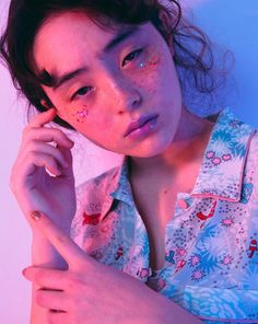 Pin by Camo on メイク in 2020 Portrait Poses, Portrait Photography, Fashion Photography, Pretty People, Beautiful People, Aesthetic People, Foto Pose, Photo Reference, Aesthetic Photo