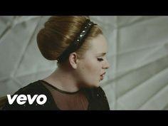 (12) Adele - Skyfall (Lyric Video) - YouTube