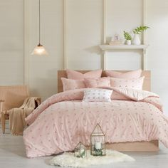 Shop for Urban Habitat Maize Pink Cotton Jacquard Comforter Set. Get free shipping at Overstock.com - Your Online Fashion Bedding Outlet Store! Get 5% in rewards with Club O! - 22066586