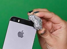 A piece of aluminum foil may change the way you use your phone
