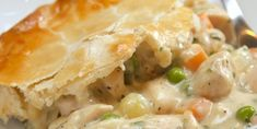 It doesn't get much more classic than a really good Chicken Pot Pie like Mom and Grandma used to make. This ultimate in comfort food is pretty simple, too! Chicken Pot Pie Casserole, Best Chicken Pot Pie, Pie Recipes, Chicken Recipes, Cooking Recipes, Recipies, Turkey Recipes, Frozen Peas, Chicken Seasoning