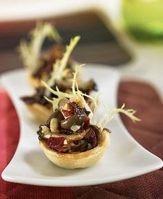 Salteado de setas y jamón ibérico en tartaleta – Delicooks | Good Food Good Life