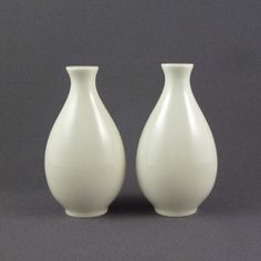 Eva Zeisel for Hall China salt & pepper shakers by PrairieDecArts