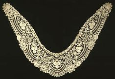 19th century Duchesse bobbin lace collar