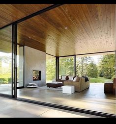 Articles about couple achieves their glass house goals. Dwell is a platform for anyone to write about design and architecture. Modern Glass House, Glass House Design, House Goals, Interior Architecture, Modern Interior, Online Architecture, Futuristic Architecture, Living Spaces, Living Rooms