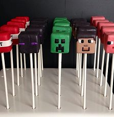 They say you are what you eat but can you possibly eat what you are? Well if you& a Minecraft fanatic you sure can. Check out these awesome foods inspired by the awesome world that is Minecraft! Minecraft Torte, Minecraft Cake Pops, Minecraft Birthday Cake, Minecraft Skins, Minecraft Food, 6th Birthday Parties, Boy Birthday, Mindcraft Party, Tom E Jerry