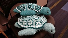 Ravelry: CindyEggleston& Teal for Two (A Turtle Tea Party) Crochet Toys Patterns, Amigurumi Patterns, Crochet Crafts, Yarn Crafts, Knitting Patterns, Crochet African Flowers, Crochet Flowers, Yarn Projects, Crochet Projects