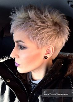 Amazing Short Hairstyles for 2019 - Amazing Short Haircuts for Women Short Pixie Haircut for Platinum Hair. I don't have platinum hair, but I don't care.Short Pixie Haircut for Platinum Hair. I don't have platinum hair, but I don't care. Short Hairstyles 2015, Short Pixie Haircuts, Cool Hairstyles, Pixie Hairstyles, Choppy Haircuts, Haircut Short, Ladies Hairstyles, Punk Pixie Haircut, Sassy Haircuts