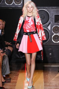 Fausto Puglisi is bringing me to tears. His ENTIRE collection is flawless. my gawd! prepare for Fausto Spam in 5…4…3…