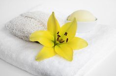 9 Home Spa Makeovers for Body and Soul from WebMD: A treasury of tips and recipes including Papaya Skin Refresher, Avocado/Cream/Honey Hair Conditioner, and Natural Eye DePuffers from the good folks at WebMD !