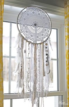 ❁❀Atrapa Sueños~ இڿڰۣ-ڰۣ— ❀ ✿ ❀ ✿Dream Catcher❤இڿڰۣ-ڰۣ— ❀ ✿Girls Bedroom Decor- A Fresh Makeover Doily Dream Catchers, Dream Catcher Mobile, Dream Catcher Bedroom, Dream Catcher Decor, Dream Catcher Boho, Girls Bedroom, Bedroom Decor, Bedroom Headboards, Bedroom Curtains