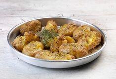roast potatoes with aromatic herbs Greek Recipes, Vegan Recipes, Cooking Recipes, Aromatic Herbs, Food Categories, Veggie Dishes, Potato Salad, Cauliflower, Roast