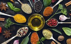 Herbs: you keep them in your refrigerator, spice rack, and medicine cabinet. But have you ever stopped to wonder—perhaps while sipping a mug of chamomile tea—what exactly are herbs, anyway? The health-boosting power of herbs Spices And Herbs, Fresh Herbs, Lotus, Cooking Herbs, Healthy Herbs, Healthy Food, Herbal Extracts, Living A Healthy Life, Medicinal Herbs