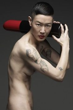 Get Weird with Fashions 11 Most Androgynous Models | The Run Down