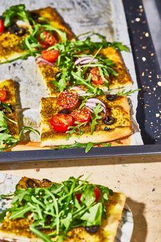 Mediterrán kamu flatbread recept gyorsan | Street Kitchen Bologna, Vegetable Pizza, Feta, Vegetables, Vegetable Recipes, Veggies