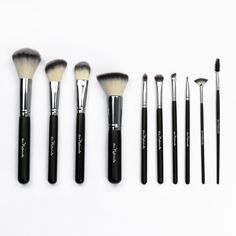 Au Naturale Vegan, Cruelty-Free Makeup Brushes [$250] #afflink