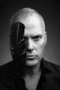 "Art Streiber photographs ""Birdman"" star Michael Keaton for the cover of Entertainment Weekly Michael Keaton, Celebrity Portraits, Celebrity Photos, Black And White Portraits, Black And White Photography, Birdman, John Douglas, Kino Film, Actrices Hollywood"