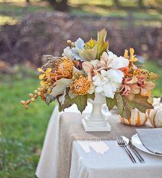 gray and orange centerpiece   Mustard and gray wedding   Matrimonio autunnale grigio, senape e arancionehttp://theproposalwedding.blogspot.it/ #autumn #autunno #fall #wedding #matrimonio