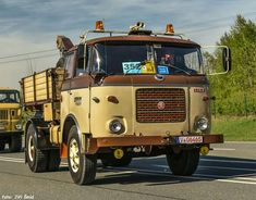 Old Tractors, Busse, Classic Trucks, Old Trucks, Eastern Europe, Cars And Motorcycles, Vintage Cars, Jeep, Van