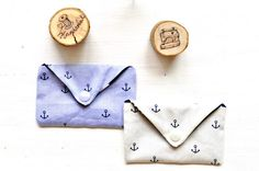 Hier findet ihr eine einfache Anleitung um eine kleine Tasche zu nähen. In die Tasche passen Visitenkarten, Schmuck und vieles weitere.