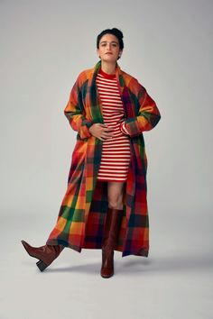 An Impromptu Therapy Session With Jenny Slate Source by clothing Pretty People, Beautiful People, Jenny Slate, Rainbow Sweater, Light Of My Life, 70s Fashion, Autumn Winter Fashion, Style Icons, Skirt Set