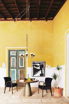 9 New Rules for Color Blocking at Home via @MyDomaine
