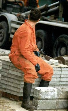Lost In Space, Construction Worker, Work Wear, Overalls, Working Men, Winter Jackets, Sexy, How To Wear, Fashion