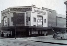 Trafalga Cinema, later the Odeon Old Greenwich, Bethnal Green, London Places, Local History, Vintage Photographs, Historical Photos, Old Photos, Past, England