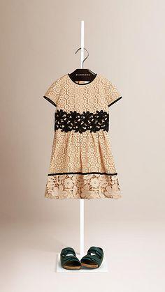 Nude Vestido de renda floral com acabamento contrastante - Burberry