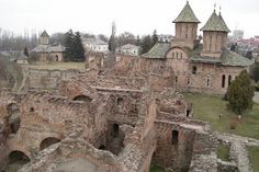 Tirgoviste court ruin served as the capital of Walachia where Vlad Tepes (Vlad the Impaler) ruled - Romania Beautiful Buildings, Beautiful Places, Places To Travel, Places To Visit, Dracula Castle, Vlad The Impaler, Romania Travel, Château Fort, Monuments