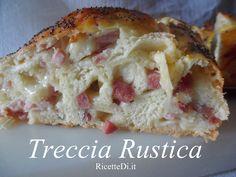 questa treccia rustica è eccezionale! La ricetta assomiglia molto a quella dei panini napoletani. Un impasto morbidissimo farcito con salumi e formaggi vari