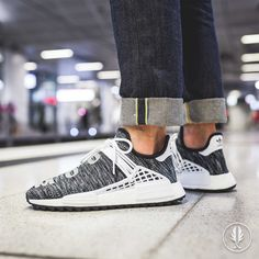 Кроссовки adidas Originals x Pharrell Williams NMD Human Race