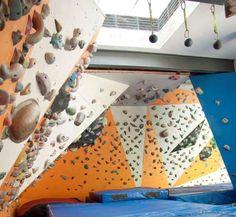 RSTK: Instalaciones: El Muro y La Sala de Boulder Rock Climbing Gym, Climbing Wall, Mountaineering, Walls, Entrance Halls, Mountain Climbing, Rock Climbing